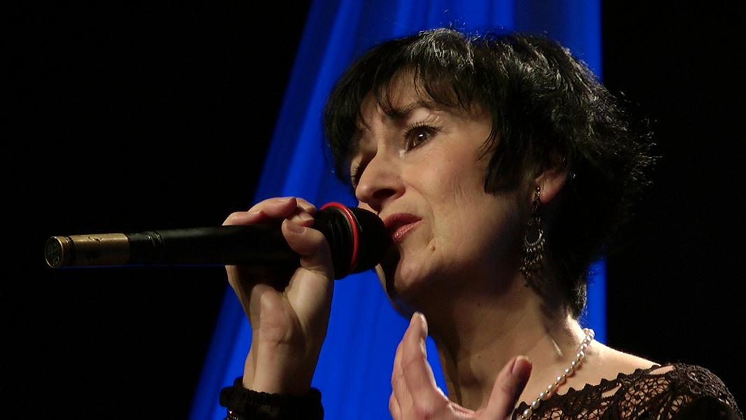 "Martine chante ""Nantes"" de Barbara"