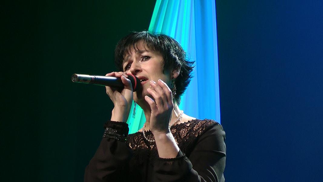"Martine chante ""Vienne"" de Barbara"
